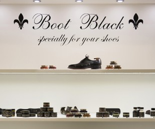 Video: Suede Shoe Care Demonstration by Boot Black