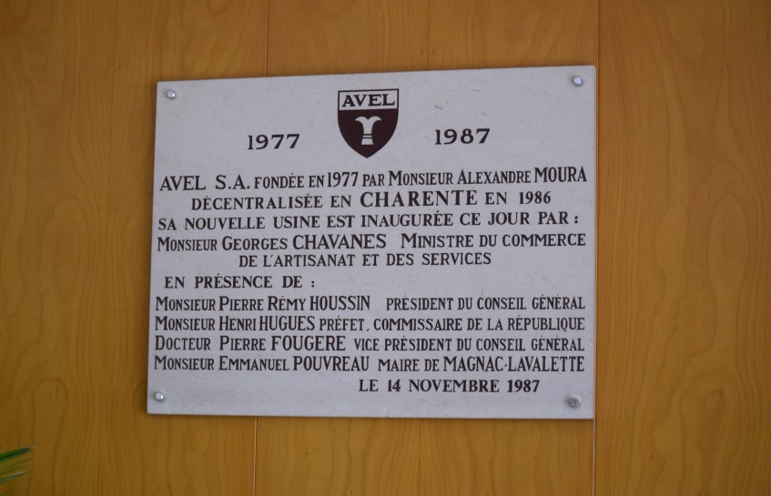 Inauguration plate from 1987