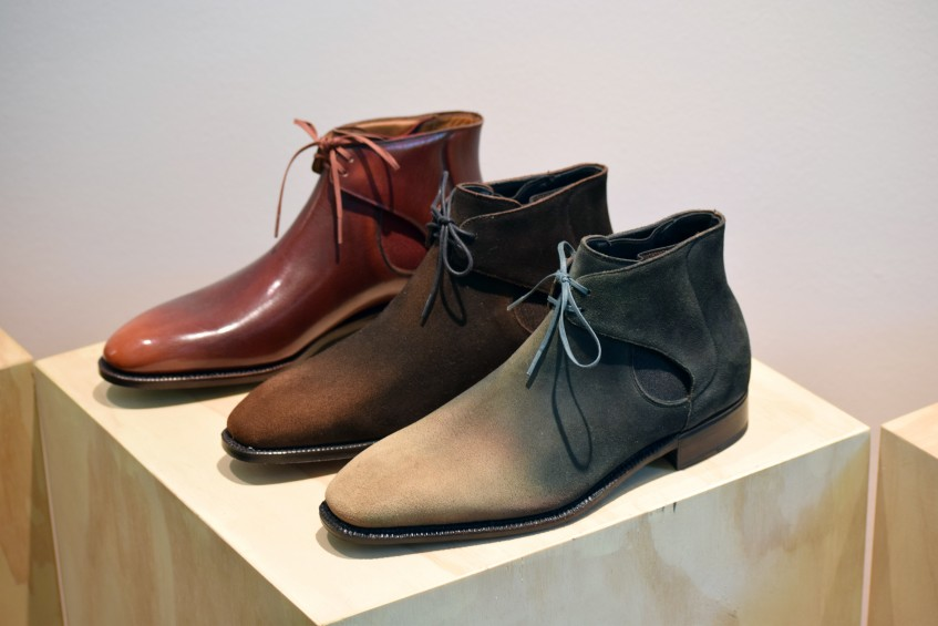 Hand-antiqued chukka/chelsea combination that has become an iconic Vilalta style