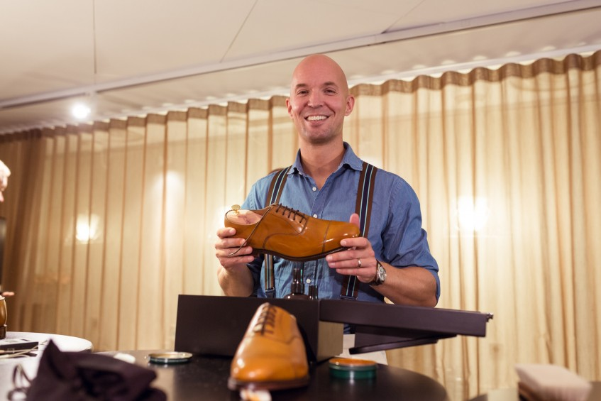 Happy winner Anders Ericson with his prize: the winner got to keep his entry shoes