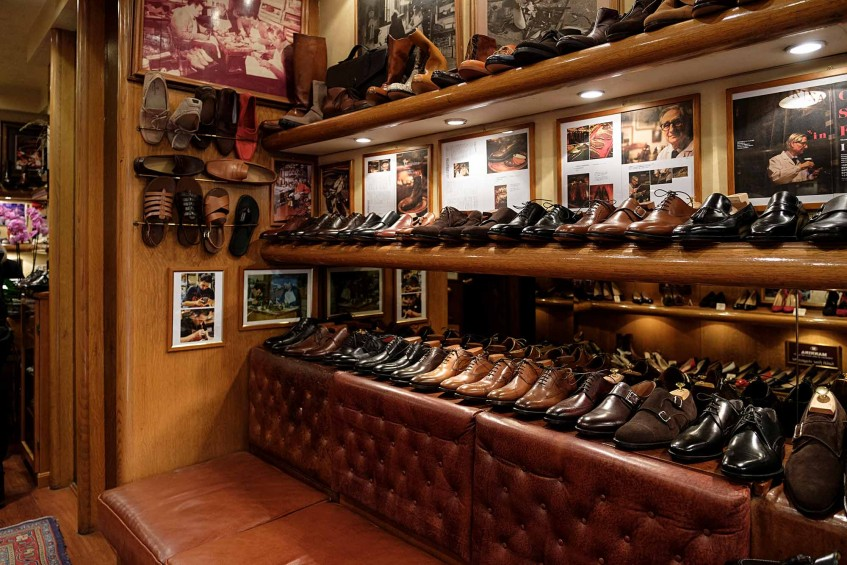 Ready-to-wear shoes at the Via de' Guicciardini shop.