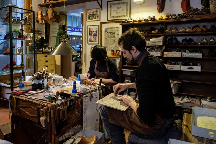 Two of Mannina's friendly and knowledgeable shoemakers.