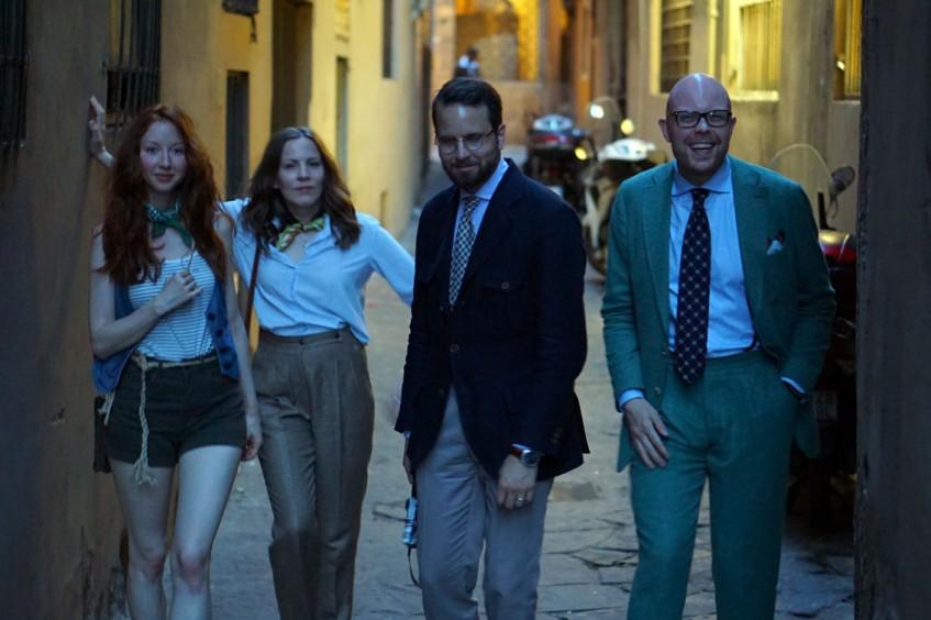 Erica Therésia, Anu Rautalin, Erik Mannby, Jussi Häkkinen roaming the streets of Florence