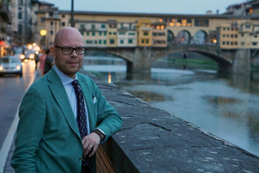 Jussi Häkkinen beholding the river Arno